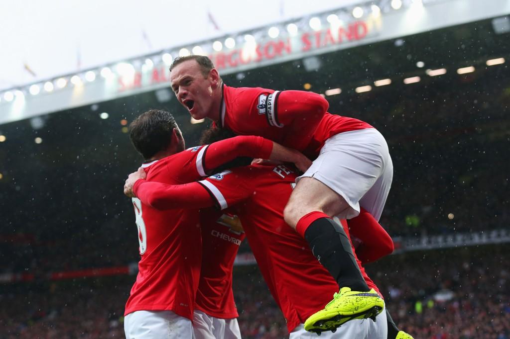 NY SESONG: Manchester United og Wayne Rooney jakter pokalen.