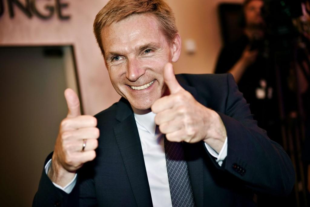 STØRST: Partileder Kristian Thulesen Dahl smilte bredt da valgresultatet viste at Dansk Folkeparti er blitt Danmarks største parti.