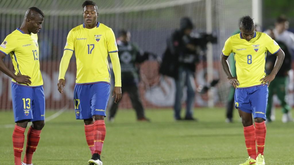 Ecuador-spillerne depper etter 2-3-tapet for Bolivia. Ecuador dominerte kampen, men motstanderen var langt mer effektiv foran mål.