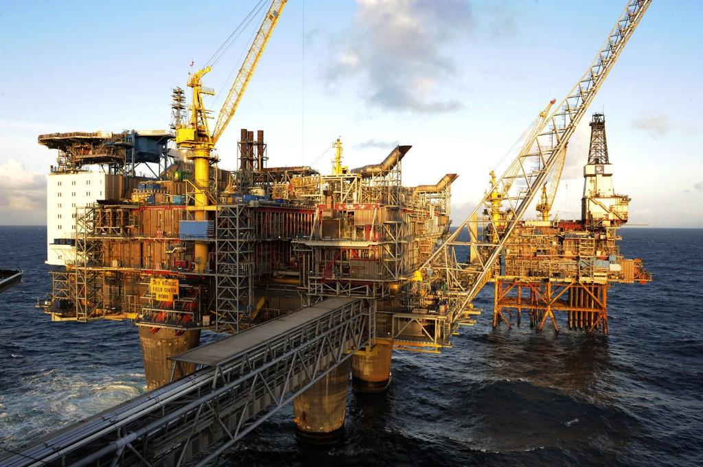 MÅ PLUGGES: Alle oljebrønner på norsk sokkel må plugges - det vil koste mye. Her fra Oseberg.