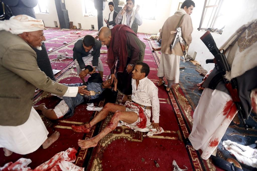 SELVMORDSBOMBERE: Flere ble drept og skadet, da selvmordsbombere angrep to moskeer i Sanaa i Jemen under en fredagsbønn tidligere i år. 2014 var det verste terroråret på lenge.