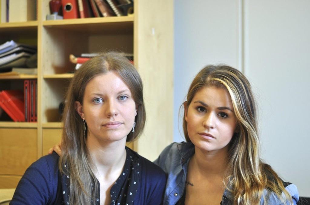Christine Drage (20) og Magdalenda Tomalska (28) er tillitsvalgte ved restauranten Brazil Churrascaria i Bergen sentrum. Ingen av de ansatte ved restauranten har fått lønn eller feriepenger fra arbeidsgiveren.