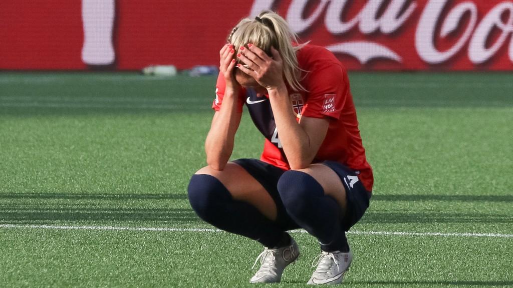 Norge har ikke vunnet over England siden 2002. Natt til tirsdag ble det nytt tap og VM-exit for de norske jentene.