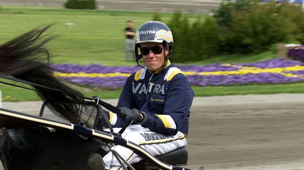 Stefan Melander kjører en av våre favoritter på Solvalla tirsdag. Bildet er fra: hesteguiden.com
