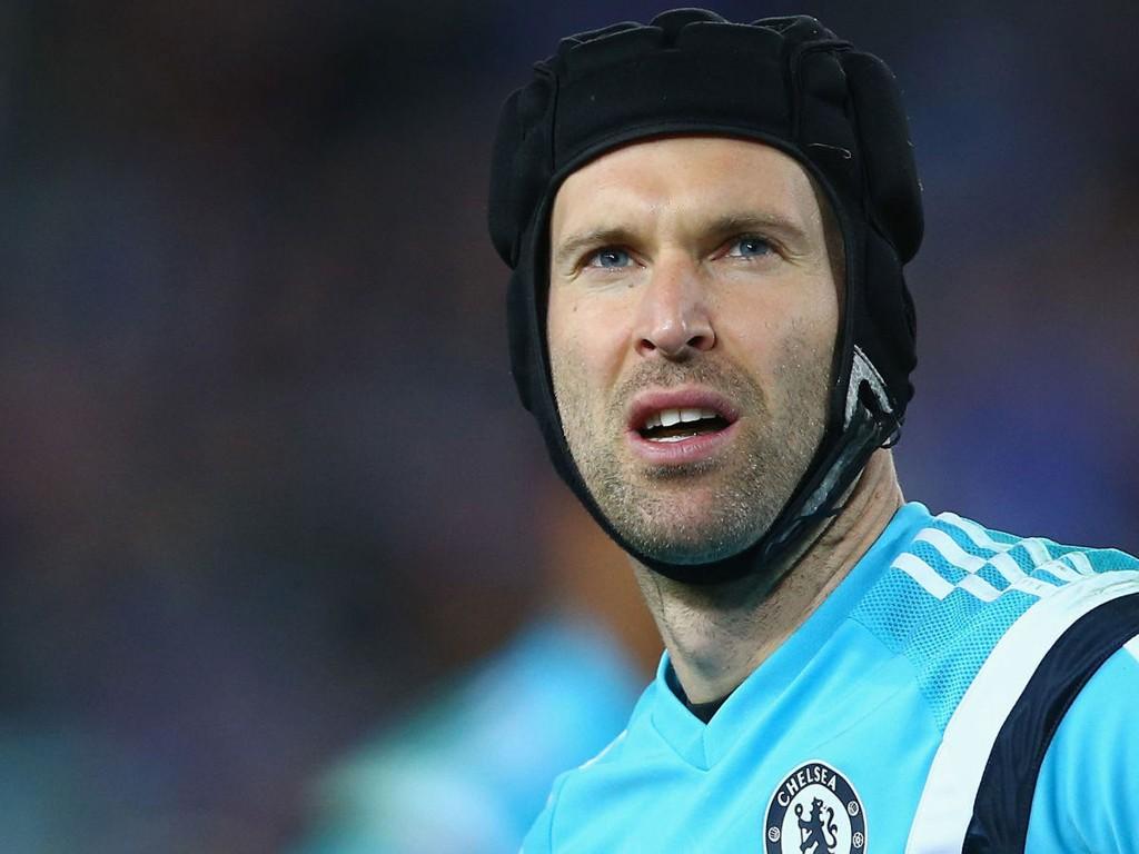 NÆRMER SEG ARSENAL: Petr Cech.