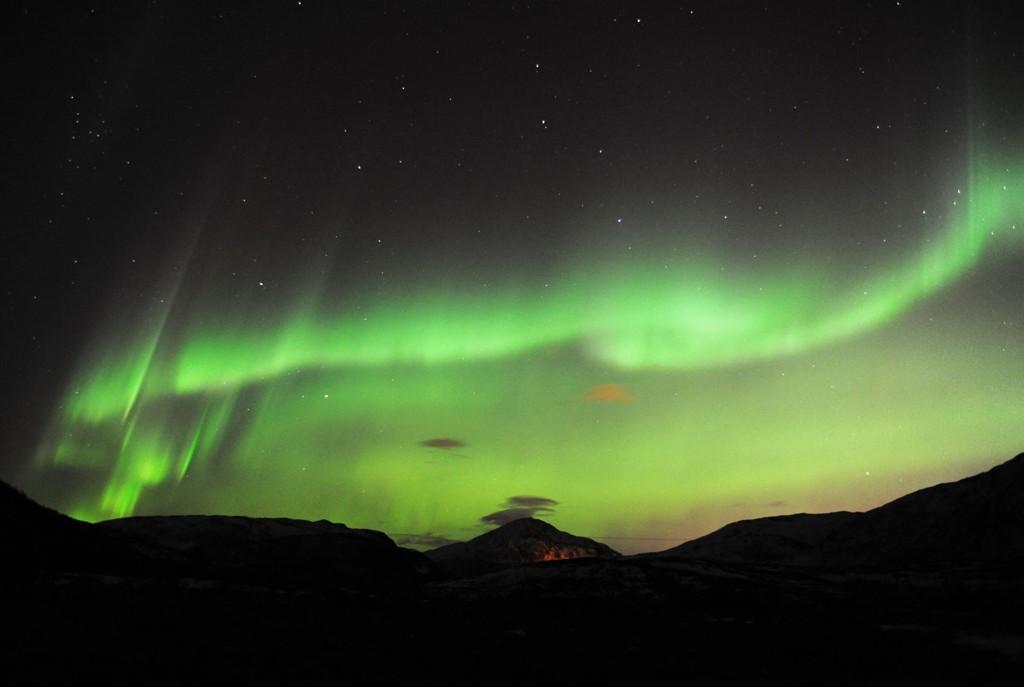 SOLSTORM PÅ VEI: Nordlyset kan bli synlig i kveld som følge av flere solutbrudd. Foto: Scanpix