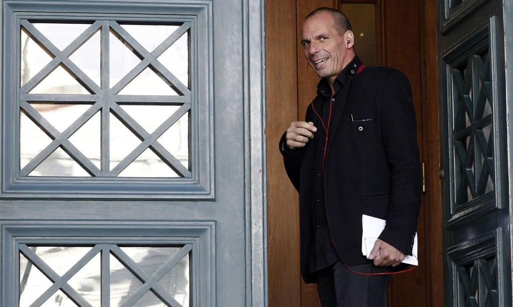 BRYTER: Finansminister Yanis Varoufakis bekreftet tirsdag at Hellas ikke gjør opp for seg før midnatt.
