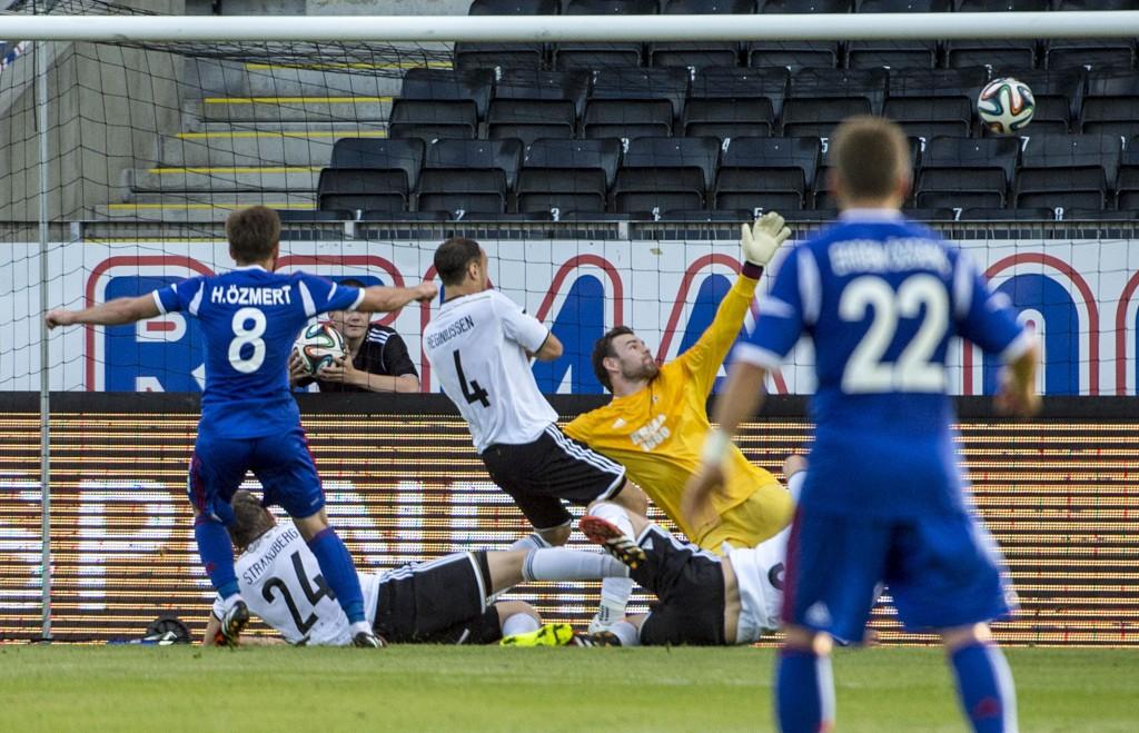 De norske lagene imponerte ingen i kvalifiseringen til Europa-turneringene forrige sesong. Her er det Rosenborg som ryker mot tyrkiske Karabükspor på Lerkendal på bortemålsregelen.