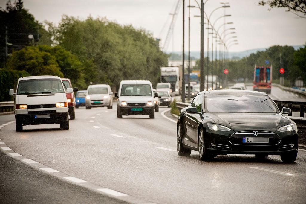 En ny beregning fra Europeiske Reiseforsikring viser at rundt 180 nordmenn hvert år blir skadd i trafikkulykker i utlandet. I Norge er vi derimot mer forsiktige.