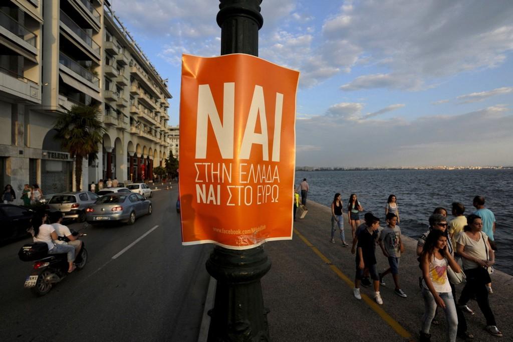 Den greske folkeavstemningen var søndag morgen kommet godt i gang. Foto: Alexandros Avramidis / Reuters / NTB scanpix