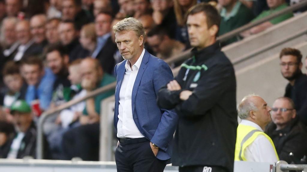 TAPTE: Real Sociedad-manager David Moyes (t.v.) måtte seg seg slått av Celtic og manager Ronny Deila.
