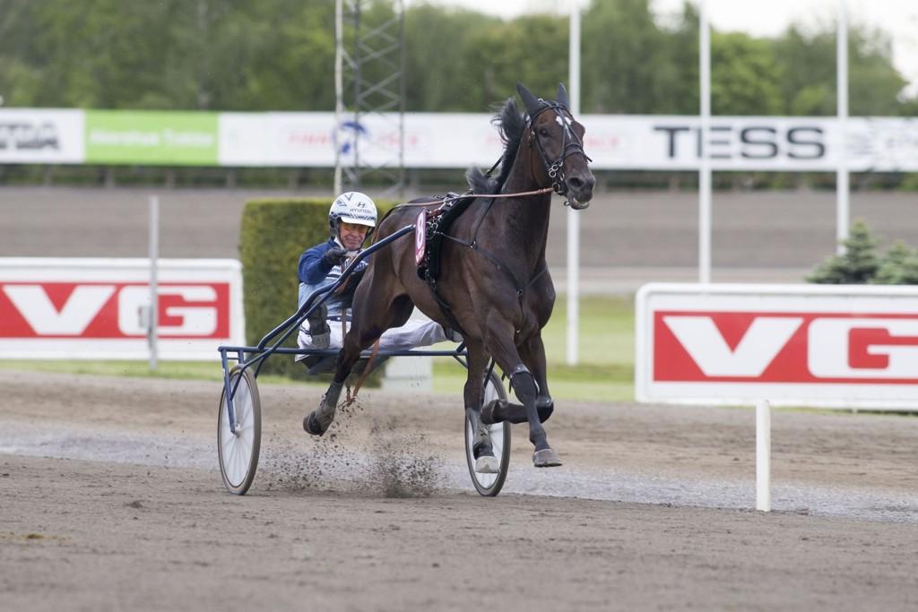Herlige Dejatiero, og Frode Hamre jakter revansje i finalen. foto_Roger Svalsr¿d_hesteguiden.com