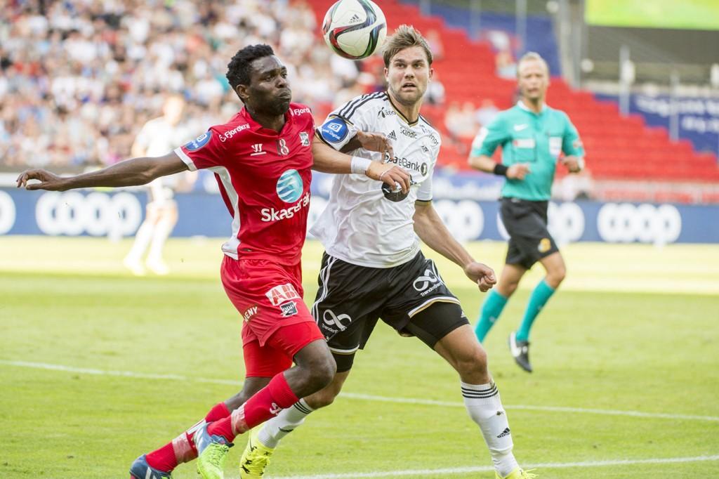 Rosenborgs Jørgen Skjelvik (th) og Bentley i eliteseriekampen mellom RBK og Odd på Lerkendal stadion.