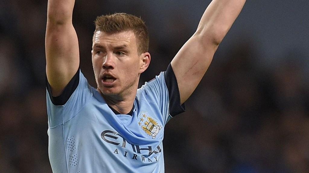 PÅ VEI BORT: Edin Dzeko kan komme til å forlate Manchester City i sommer.