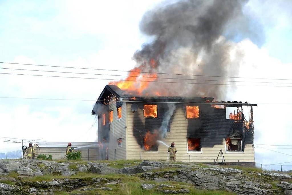 Da brannvesenet kom til adressen var huset overtent.