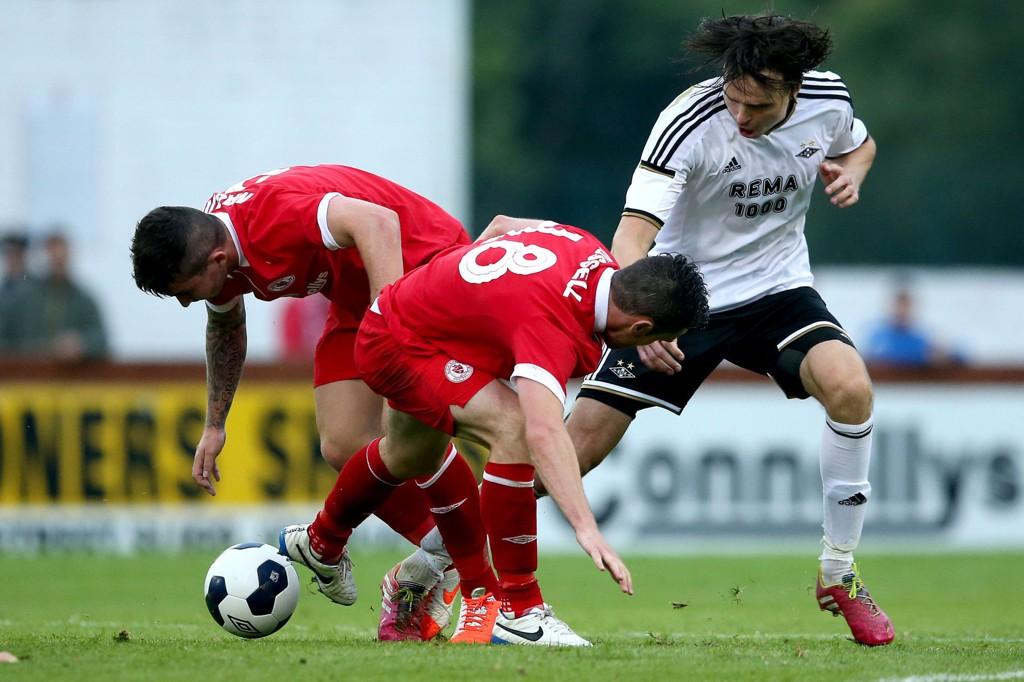 BARE RØR: Sligo Rovers (i rødt) møtte Rosenborg i Europa-kvalifisering i fjor.