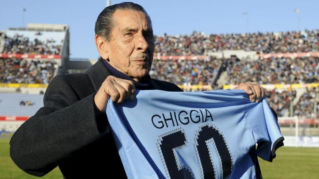 lcides Edgardo Ghiggia, som scoret vinnermålet for Uruguay under VM-finalen mot Brasil i 1950, døde torsdag på årsdagen for den historiske kampen.