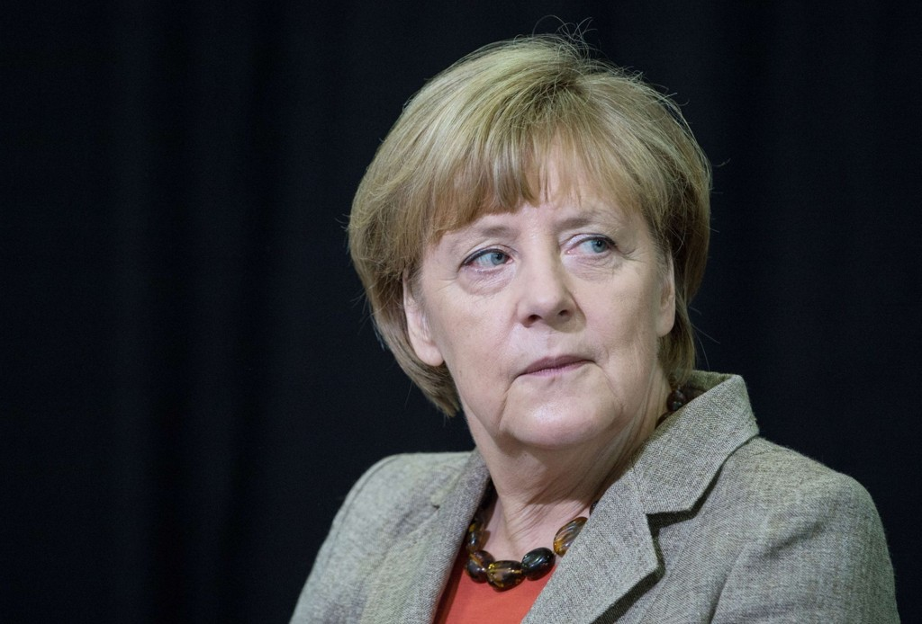 GIR GRØNT LYS: - Vi handler faktisk uansvarlig om vi ikke i det minste prøver dette, sa Merkel.