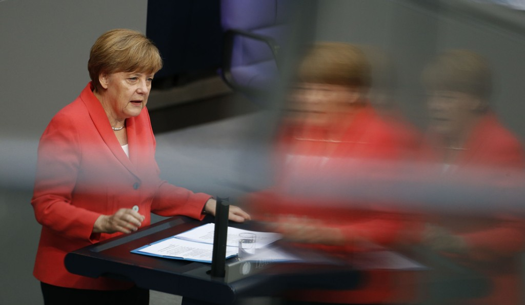 Mer enn annenhver tysker mener at statsminister Angela Merkel burde ha vendt tommelen ned for en ny runde med forhandlinger om kriselån til Hellas.