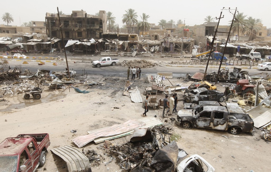 120 mennesker ble drept da en selvmordsbomber fra Den islamske staten (IS), utløste en kraftig bombe skjult i en isbil på en markedsplass i Khan Bani Saad nordøst for Bagdad.