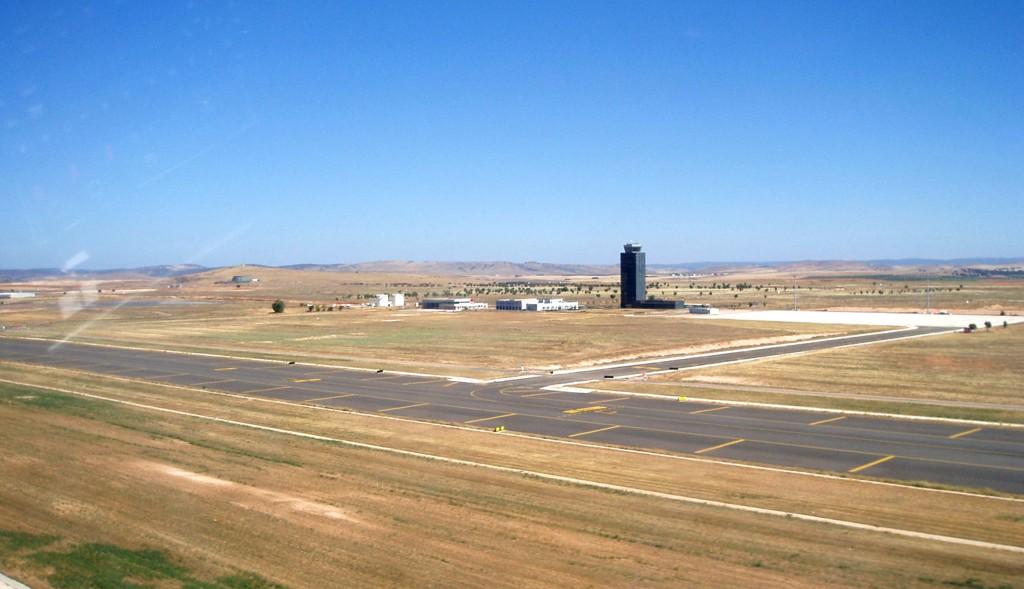 BILLIGSALG: Ciudad Real flyplass 23 mil sør for Spanias hovedstad Madrid kan bli solgt for 10.000 euro. Det er 100.000 ganger mindre enn den kostet å bygge.