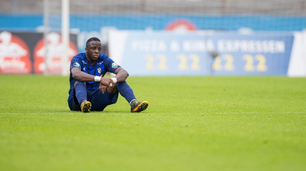 SKUFFET: Adama Diomande sitter skuffet igjen etter Stabæks 0-0-kamp mot Sarpsborg 08 sist.