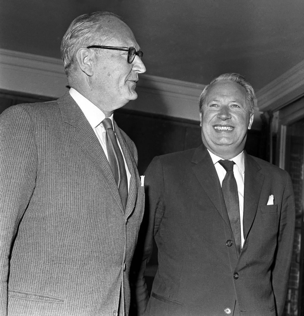 I NORGE: Edward Heath (til høyre) som handels- og industriminister og viseutenriksminister i Storbritannia på besøk i Norge i 1963, her sammen med utenriksminister Halvard Lange (Ap).