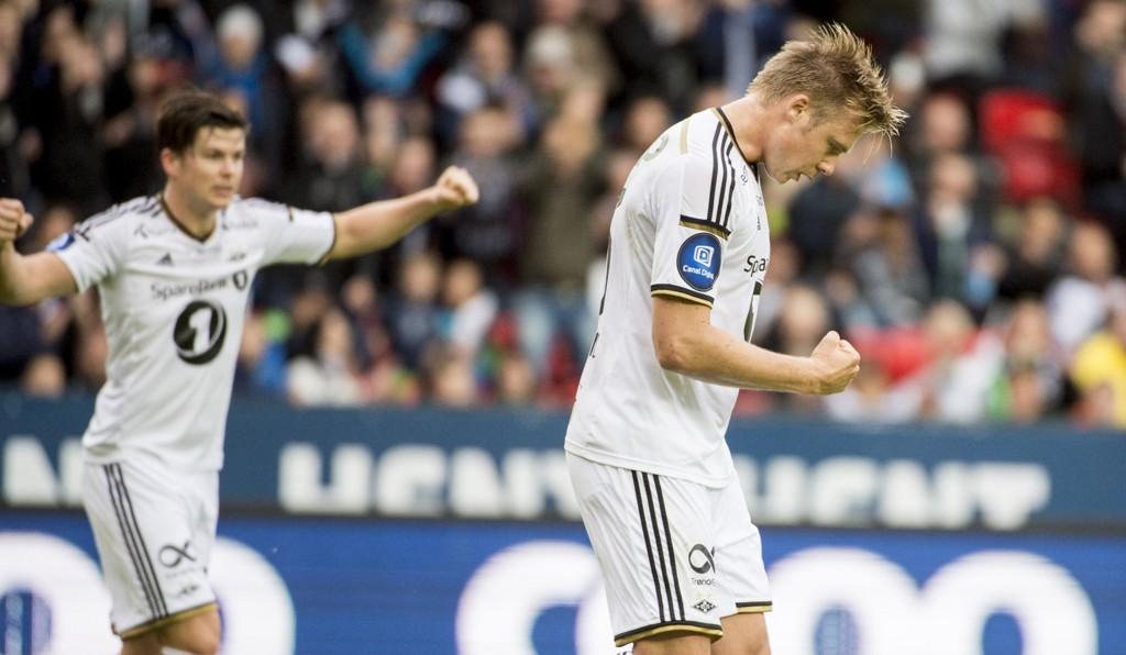 I FORM: Alexander Søderlund (til høyre) jubler etter scoring mot KR Reykjavik. I bakgrunnen er Pål André Helland.