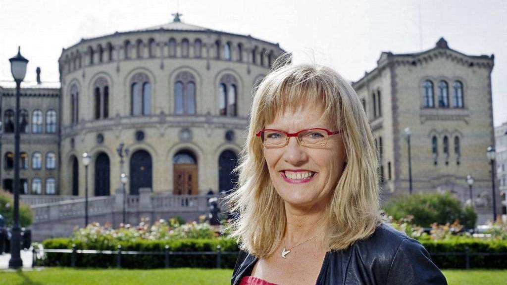 SVs stortingsrepresentant Karin Andersen vil at staten kan tvinge kommunene til å bosette flyktninger.
