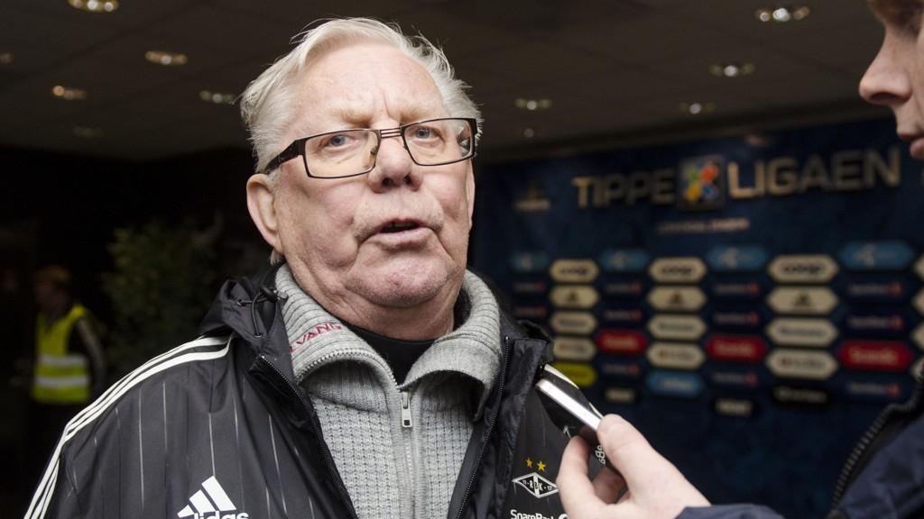 Nils Arne Eggen liker ikke at mange unge fotballspillere går til utenlandske klubber.