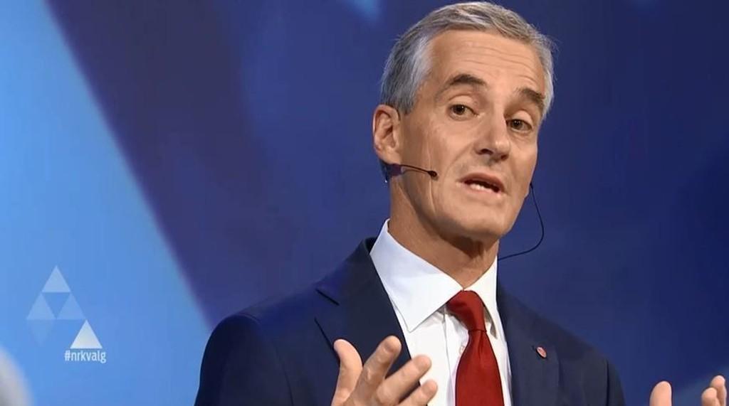 DEBATT: Ap-leder Jonas Gahr Støre under partilederdebatten i Arendal mandag kveld.