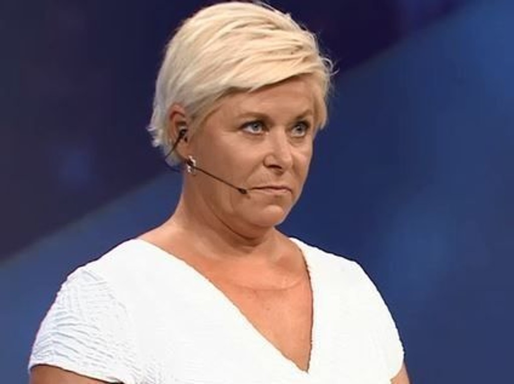 FIKK HØRE DET: Frp-leder Siv Jensen fikk kritikk for sitt Syria-utspill av KrF-leder Knut Arild Hareide i partilederdebatten mandag kveld.
