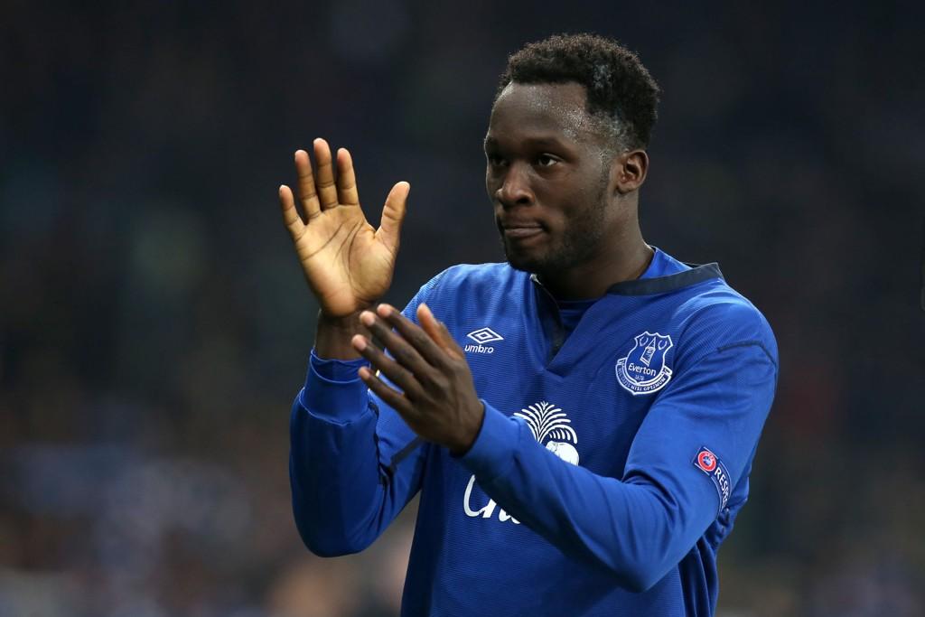 KLAPP KLAPP: Romelu Lukaku har grunn til å applaudere egen innsats mot Southampton.