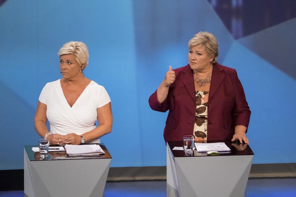 BUDSJETTKONFERANSE: Finansminister Siv Jensen (FrP) og statsminister Erna Solberg (H) samler denne uken regjeirngen for å gjøre unna årets andre budsjettkonferanse. Det skjer mens usikkerheten både i Norge og internasjonalt er tiltakende.