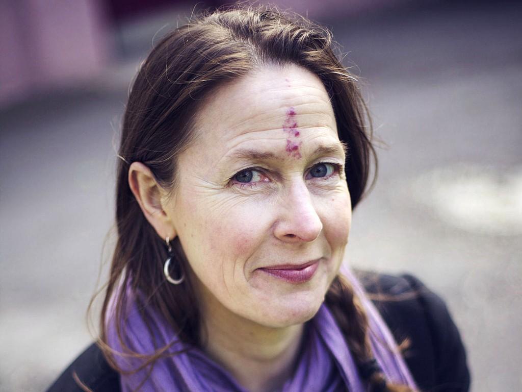 DEN UMULIGE; Anne Oterholms nye roman ble kalt umulig. Nå er Liljekonvallpiken ute.