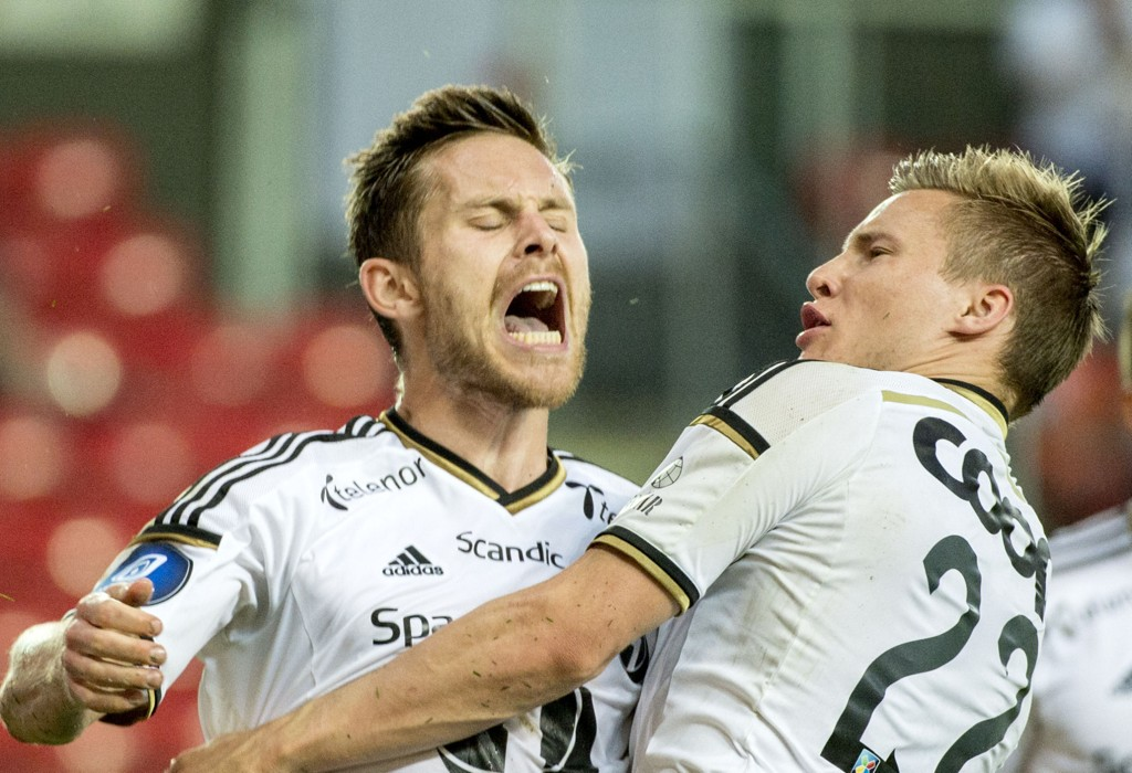 I FORM: Rosenborg, her ved Mathias Vilhjalmsson og Jonas Svensson, har vært i strålende form for tiden.