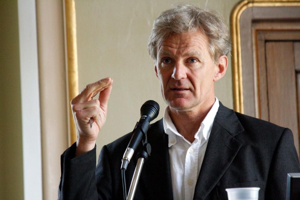 Jan Egeland mener noe av økningen kan skje ved at en større andel av bistandsbudsjettet på 33 milliarder kroner vris til humanitære formål, samt friske midler fra Finansdepartementet.