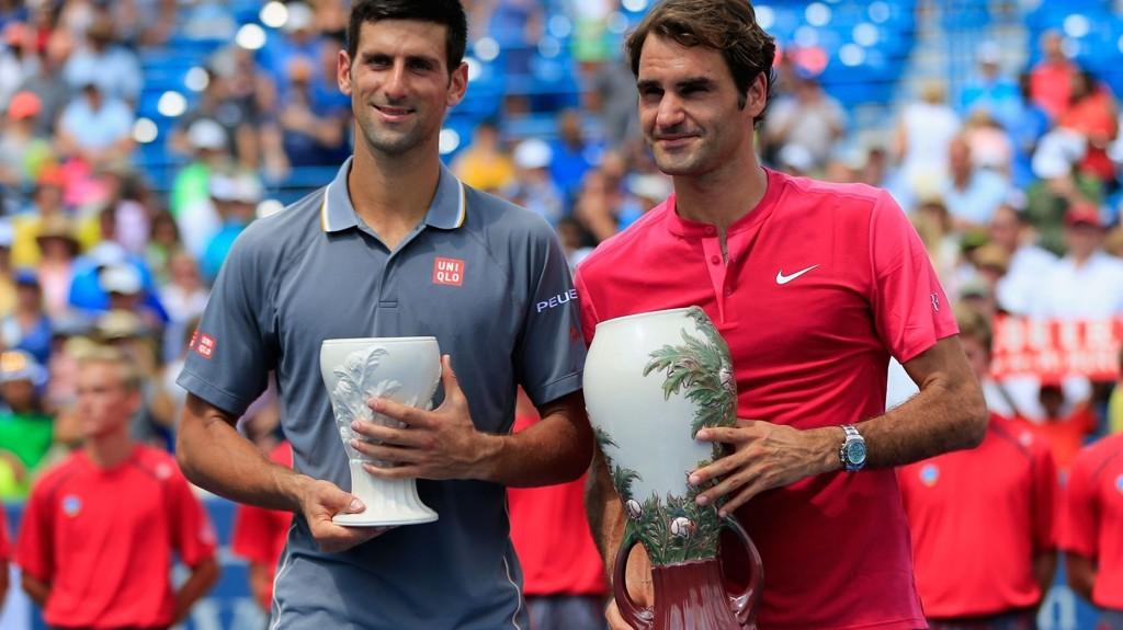Roger Federer og Novak Djokovic jakter begge finaleplass i US Open i sine respektive semifinaler fredag kveld.