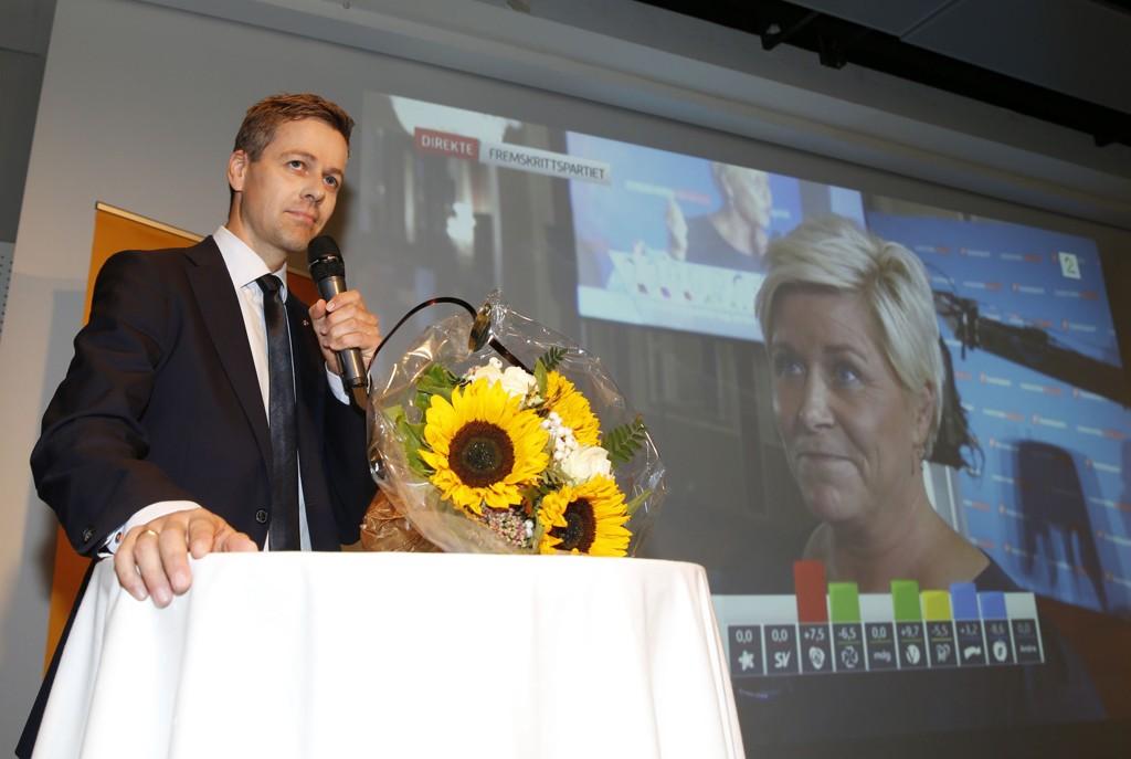 Knut Arild Hareide takker KrF-erne i talen sin til på partiets valgvake. Foto: Terje Pedersen / NTB scanpix