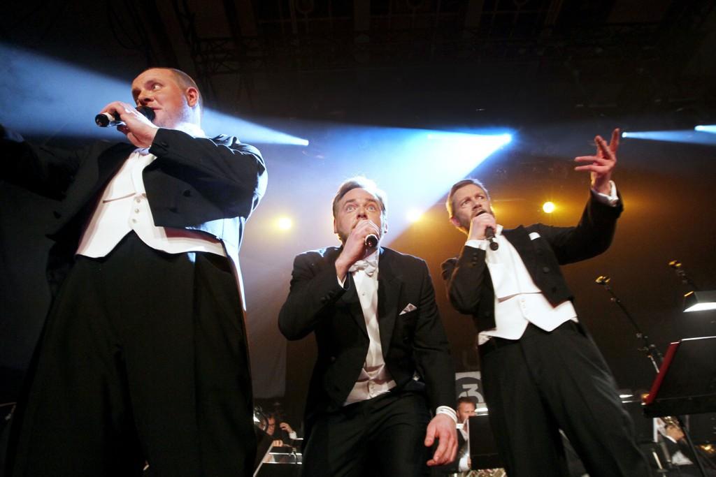 Steinar Sagen (f.v.), Tore Sagen og Bjarte Paul Tjøstheim fra NRK P3-programmet Radioresepsjonen har seks ganger blitt kåret til årets radionavn. Her fra en konsert der programmets jingler ble fremført på Rockefeller sammen med Kringkastingsorkesteret i 2010.