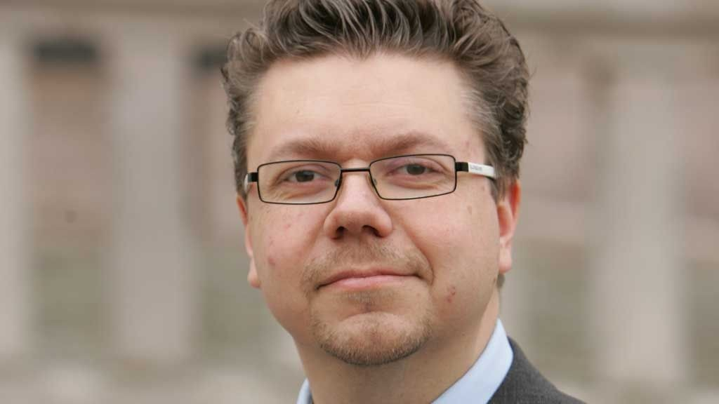VIL SETTE FOTEN NED: Fremskrittspartiets Ulf Leirstein mener det er nødvendig at nordiske politikere avviser en diskusjon om tilpasning av egen kultur i møte med innvandrere og asylsøkere.