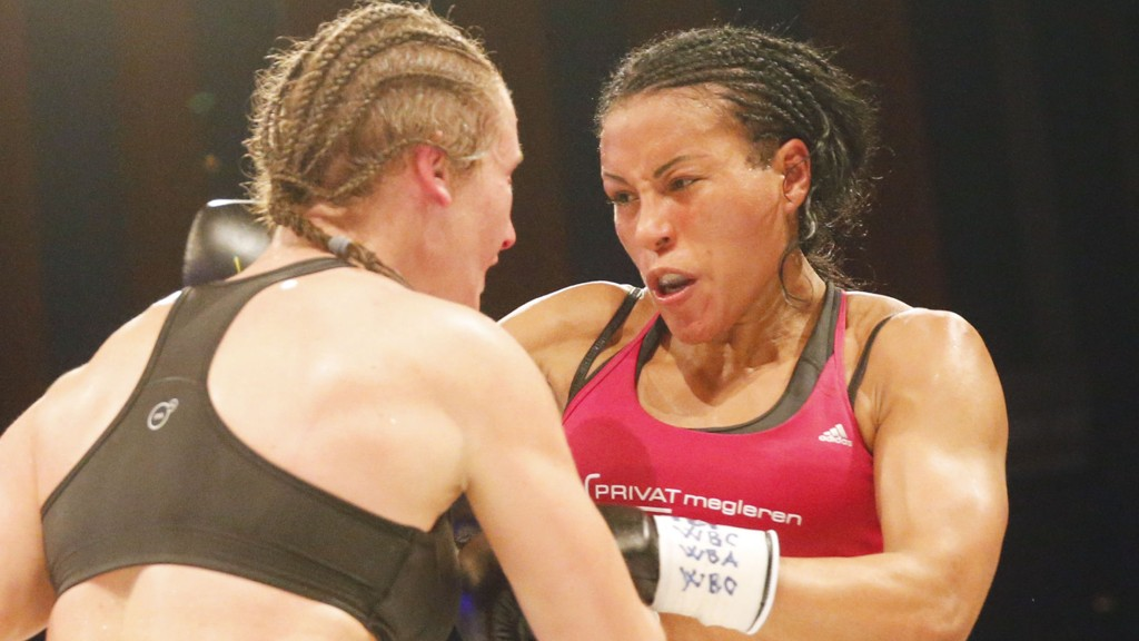Cecilia Brækhus er snart tilbake i ringen igjen, ti måneder og en omfattende beinskade etter at hun slo Jennifer Retzke i en VM-kamp i København.