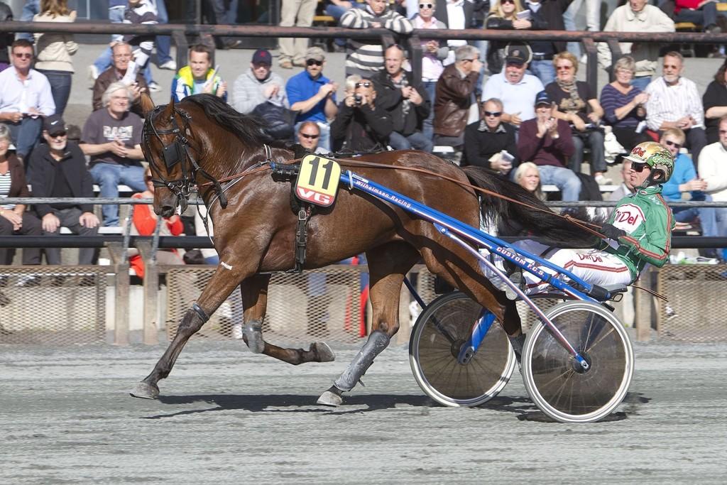 Bjørn Goop kjører en av våre to bankere på fredag. Foto: Anders Kongsrud/www.hesteguiden.com.