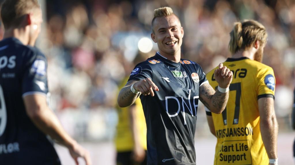 Marcus Pedersen scorer jevnt og trutt om dagen og har all grunn til å smile. Foto: Terje Bendiksby / NTB scanpix