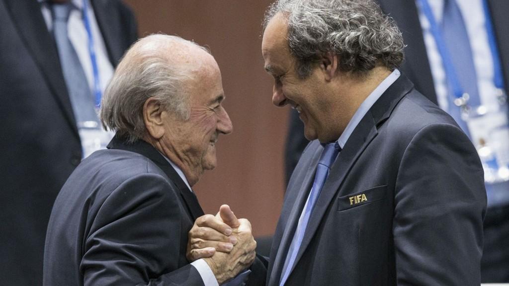 FORKLARER: Michel Platini forsvarer utbetalingen han fikk fra Sepp Blatter og FIFA.
