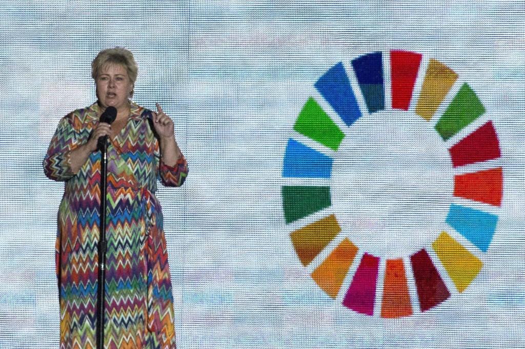 Statsminister Erna Solberg (H) talte til 100.000 i New York lørdag.