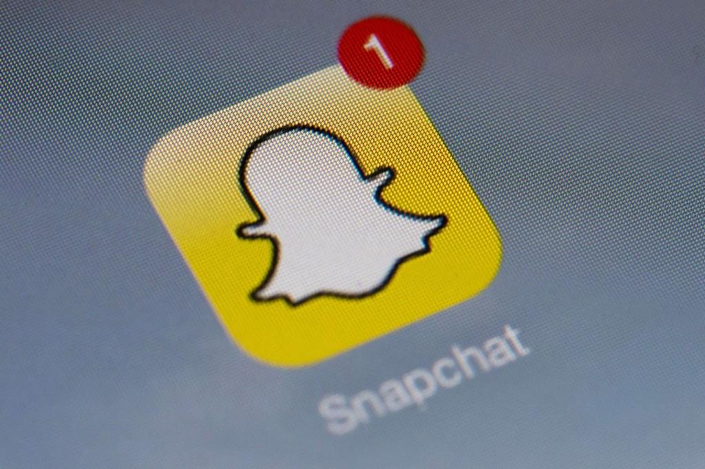 NEDENFOR ER EN MINI-GUIDE: Snapchat kommer stadig med nye oppdateringer - har du skjønt hva alle symbolene egentlig betyr?