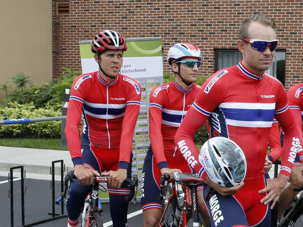 REDUSERT: Både Vegard Breen (til venstre) og Sven Erik Bystrøm (midten) forsvant tidlig ut av VM-fellesstarten i Richmond. Dermed ble laget rundt Alexander Kristoff sterkt redusert.