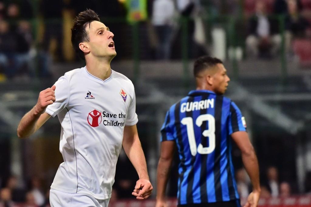 TRE FULLTREFFERE: Kroatiske Nikola Kalinic hadde en drømmekveld i Milano da Fiorentina overtok tabelltoppen i Serie A.