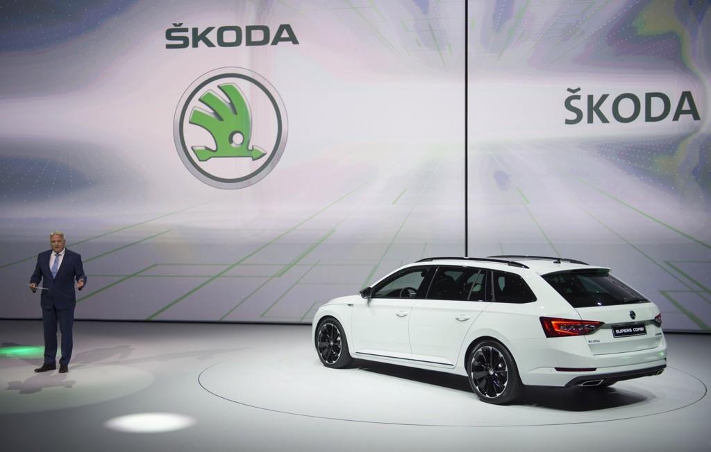 1,2 MILLIONER: Ifølge Skoda er 1,2 millioner av deres biler utstyrt med programvaren som Volkswagen har brukt til å jukse i utslippstester. Dette bildet er kun et illustrasjonsfoto. Foto: Scanpix